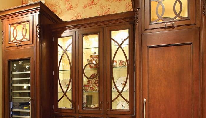Mullioned door style